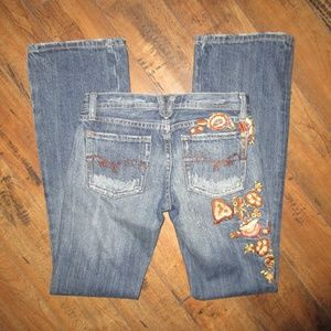 MISS ME BOOTCUT JEANS W/EMBROIDERED FLOWERS